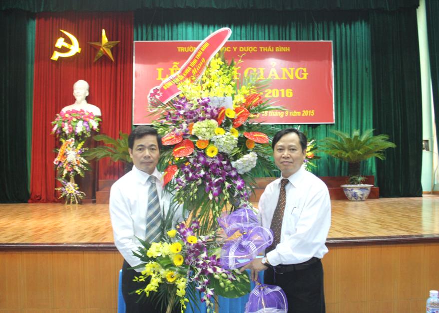 Trường Đại học Y Dược Thái Bình tổ chức Lễ khai giảng năm học 2015 - 2016